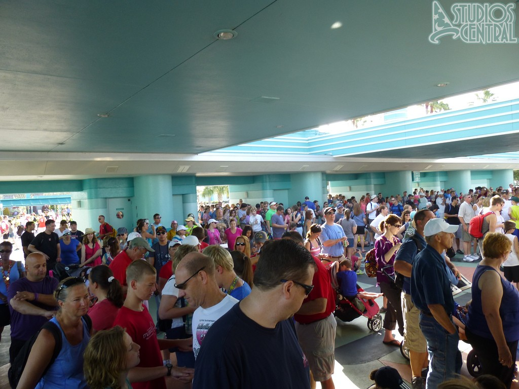 Good size crowd for rope drop