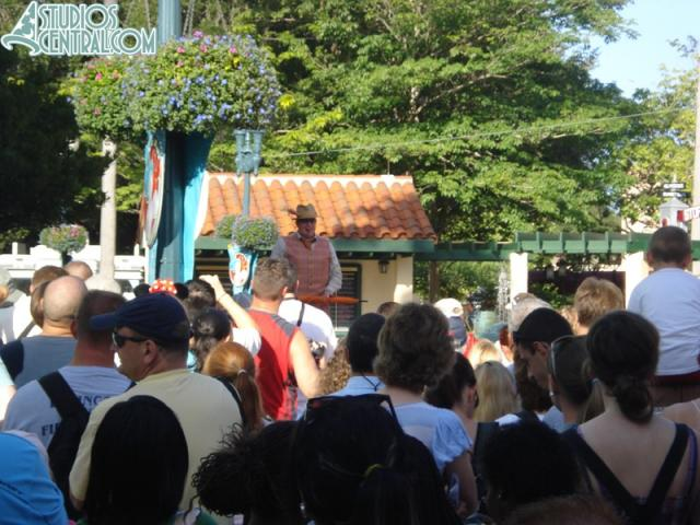 Leroy Small helps open the park