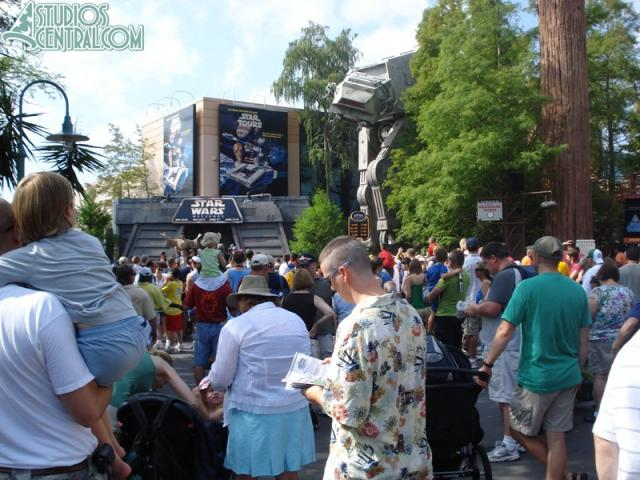 A crowd amasses at the jedi Trading Academy and Star Tours