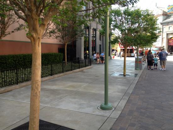 Merchandise cart missing from Pixar Place