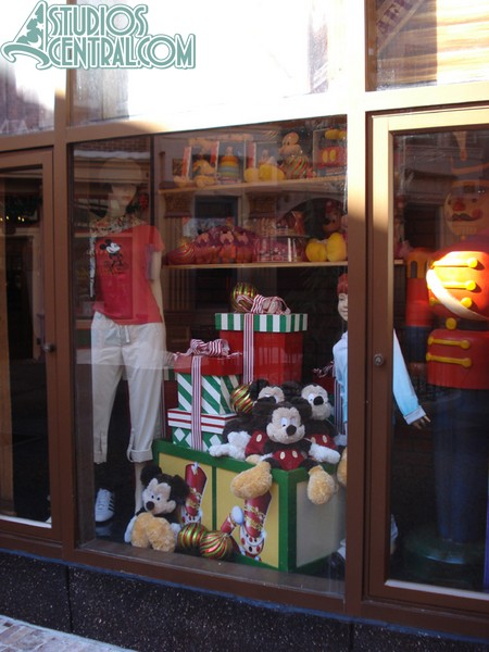Holiday displays at the Muppets store