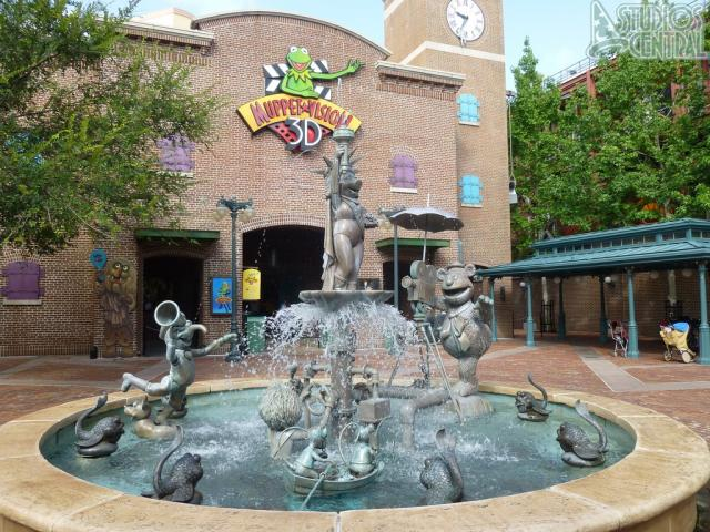 Muppet fountain looks great