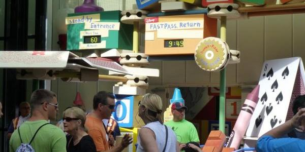 Toy Story Midway Mania Wait time is climbing fast