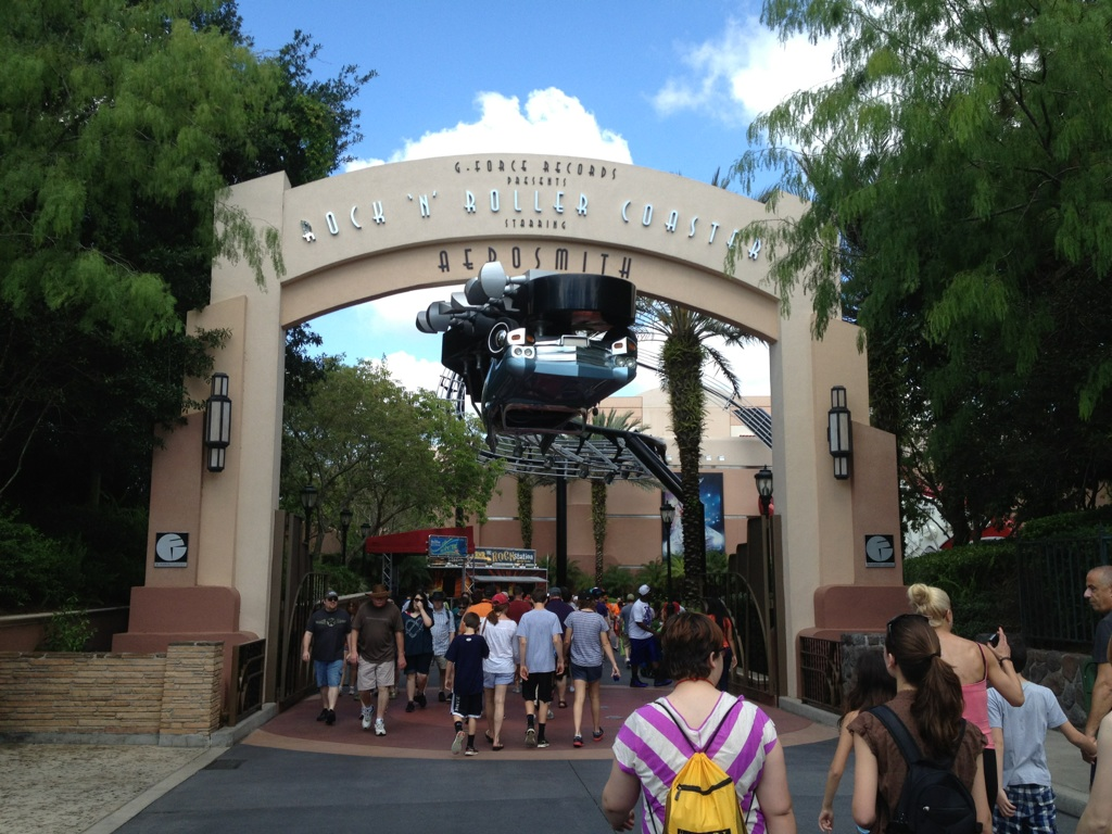 Entrance to Rock n Roller Coaster