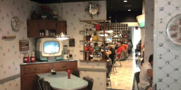 50's Prime Time Cafe Walking In