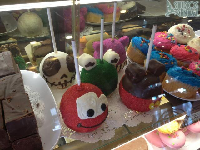 Character cake pops at Sweet Spells