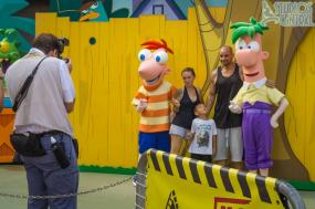Phineas and Ferb meet n greet