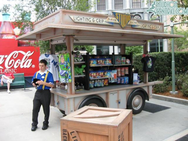 A new merchandise cart near Backlot Tour