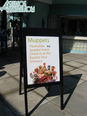 Sign for the event at the park gate