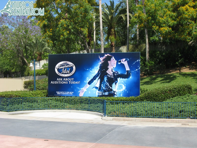 New sign in front of the park for American Idol Experience