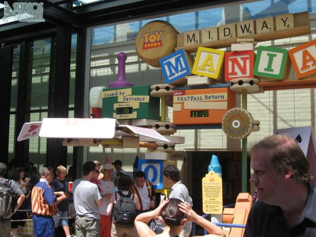 Toy Story Midway Mania wait time at around 11:27
