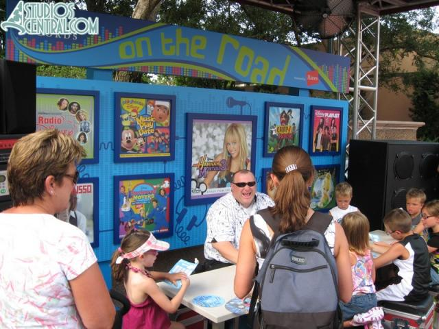 The kid spot at Rock 'n Roller Coaster