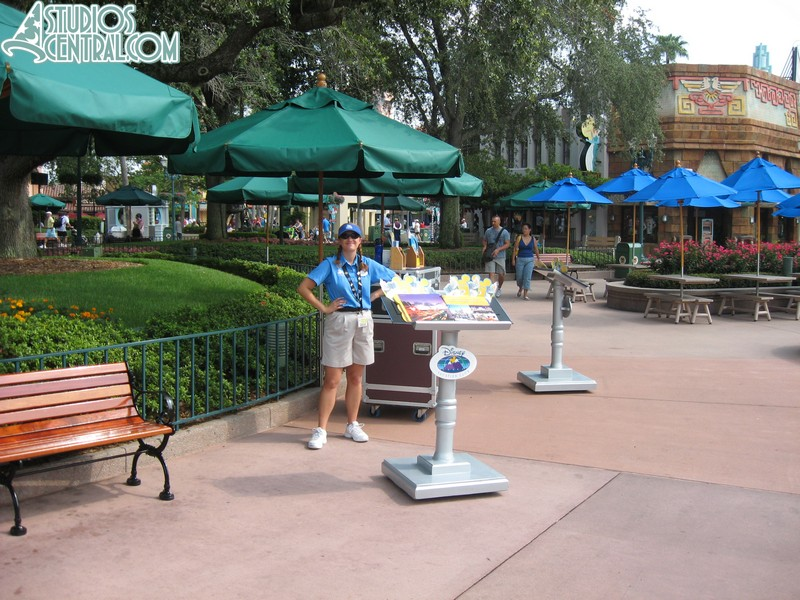 Temporary DVC booth remains near Minn and Bill