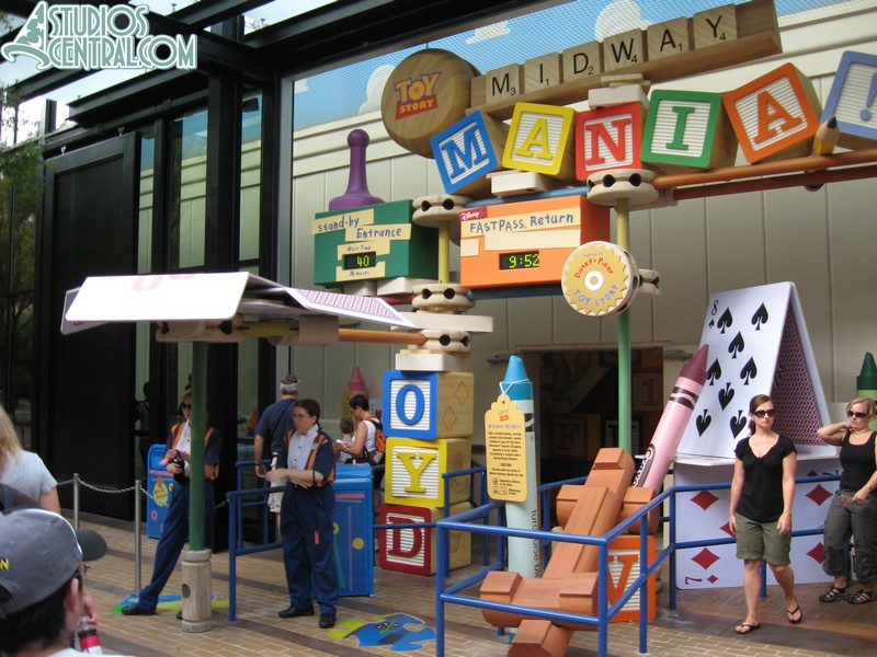Toy Story Midway Mania in the first hour of operation
