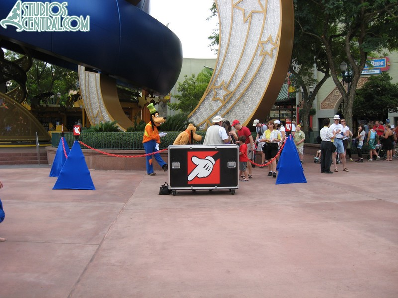"""New character """"corrals"""" for meet-n-greets"""