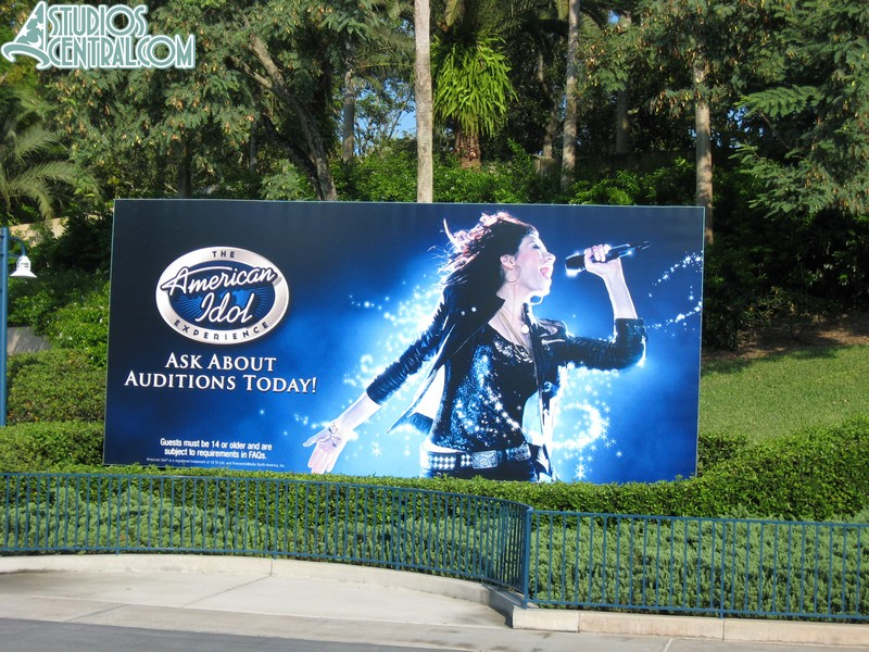 American Idol Experience sign at the park entrance