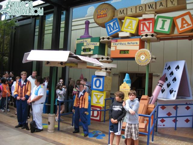 Wait time at Toy Story Midway Mania