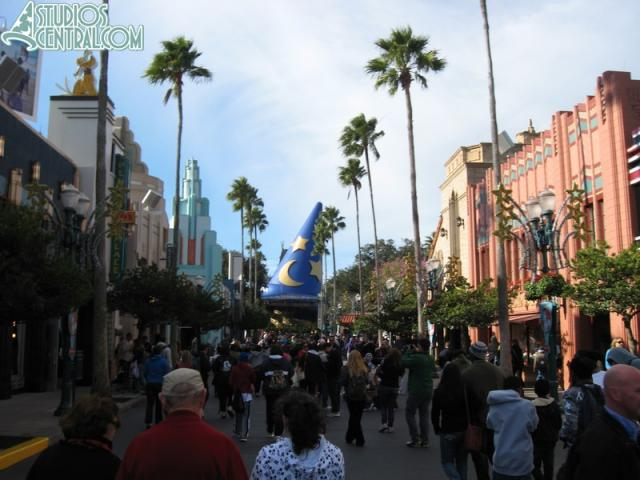 A busy Hollywood Boulevard