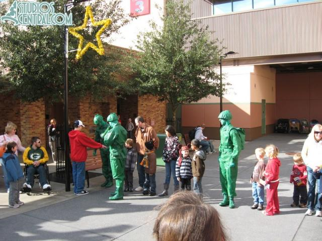 Green Army Men show near Narnia