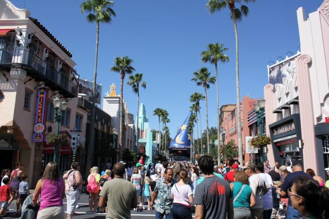Sunny day on Hollywood Boulevard