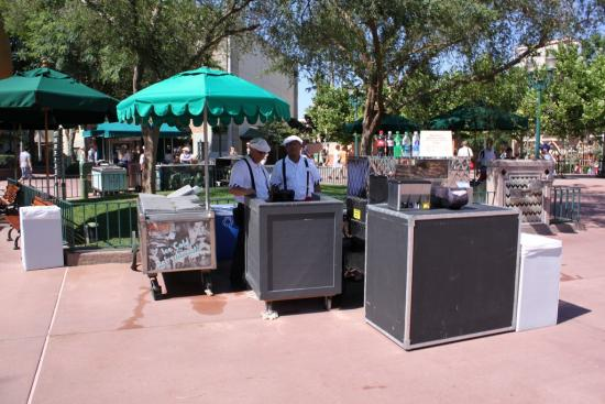 Temporary hot dog cart near Great Movie Ride