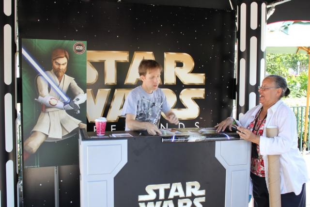 James Arnold Taylor signing autographs