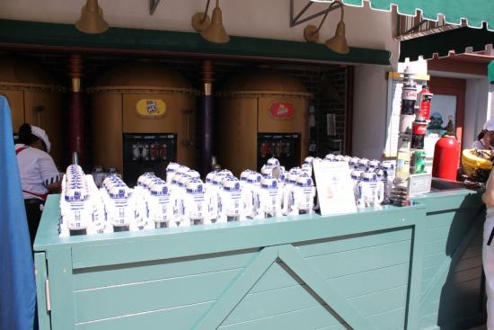 R2-D2 mugs at Peevy's Polar Concoctions