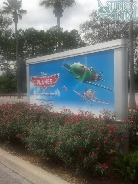 Planes video game billboards out in the parking lot